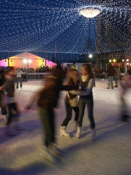 File:Ice rink at the Forum, Norwich - geograph.org.uk - 294784.jpg
